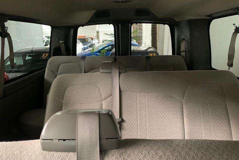 EXPRESSPASS 2017 12 PASAJEROS V8 AUT